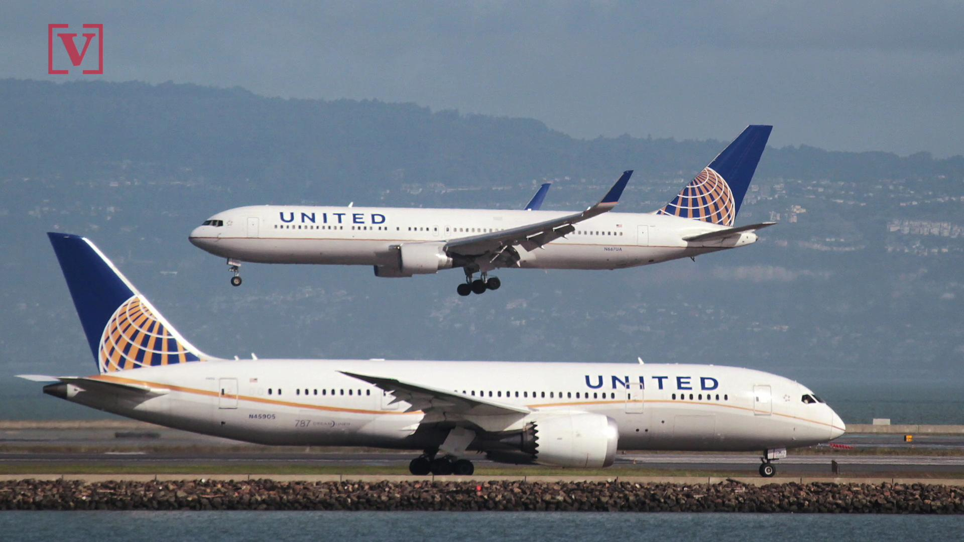 A United Airlines Flight Had To Turn Around Because Plane Was 'Too Large'